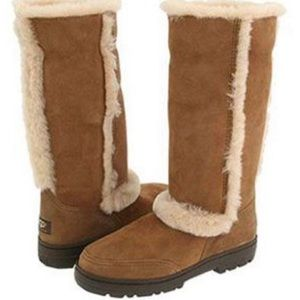 UGG boots size10 worn condition with signs of wear